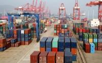 连云港港口液态植物油罐式集装箱 铁海联运完成首发